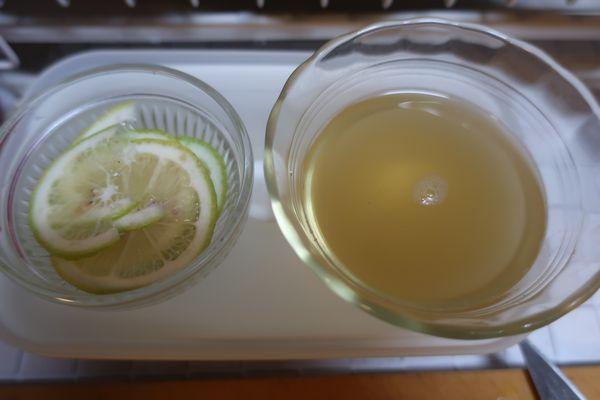 漬け込み液とレモンスライス