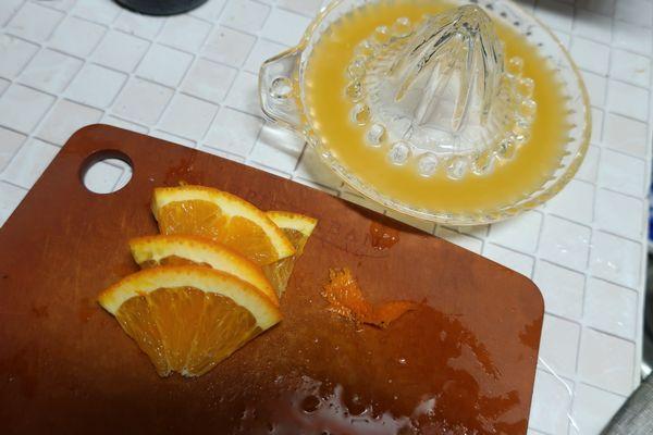 オレンジの下ごしらえ