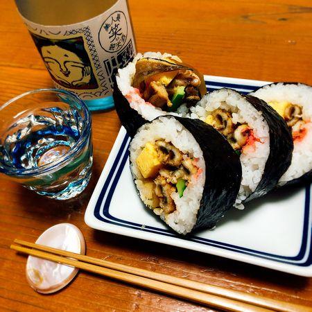 穴子巻と日本酒