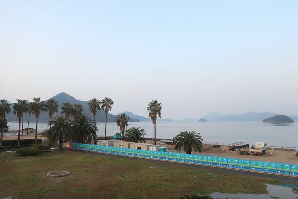 休暇村客室からの風景 向かいの島は大三島です
